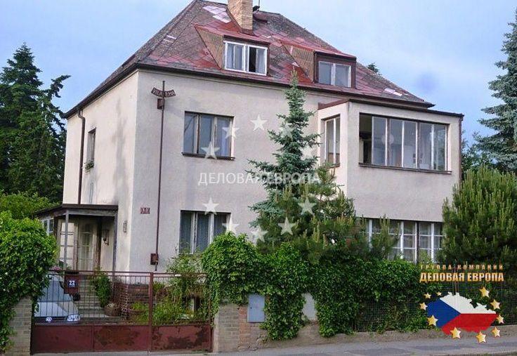 НЕДВИЖИМОСТЬ В ЧЕХИИ: продажа дома 2-комн., Прага 4, цена 250 000 € http://portal-eu.ru/doma/2-komn/realty554/  Предлагается на продажу дом 90 кв.м с участком 856 кв.м в районе Прага 4 – Кунратице стоимостью 250 000 евро. Дом состоит из двух этажей типа 2+1 каждый. Продается только половина дома, т.е. 2+1 с возможностью изменения типа на 3+1. Имеются кухня, гостиная, спальная комната, прихожая, подвал, веранда 7 кв.м, ванная комната и отдельный санузел. На полах плитка и паркет. Сад разделен…
