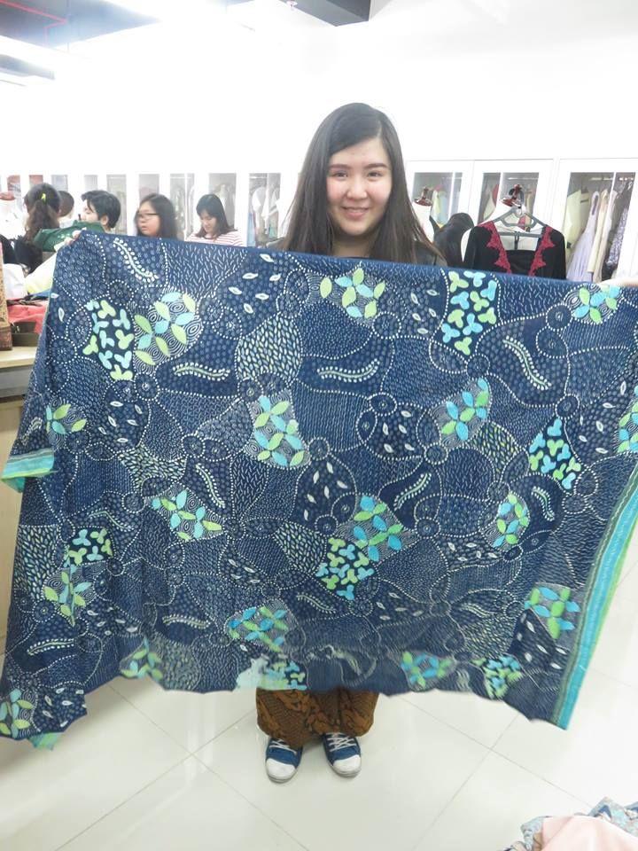 Batik motif khas Madura diwarnai dengan selera anak muda generasi Y