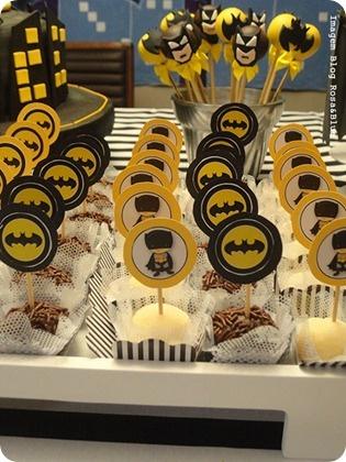 Festa Pronta - Batman - Tuty - Arte & Mimos www.tuty.com.br Que tal usar…