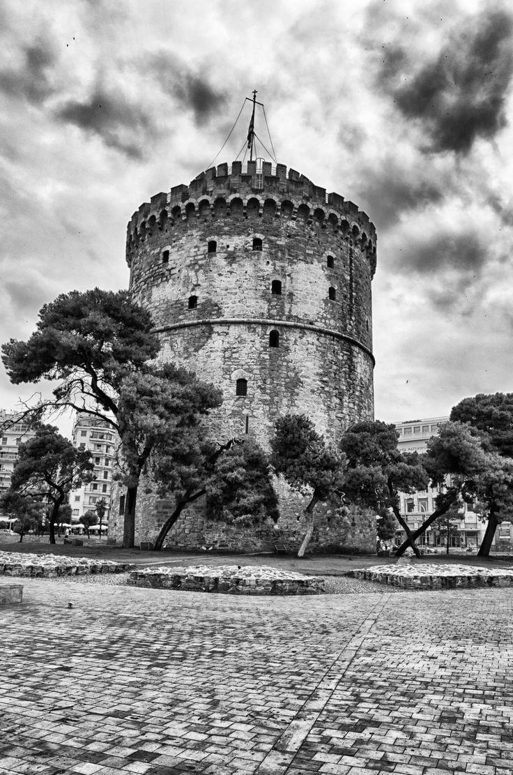 White Tower of Thessaloniki by Iryna Grabovenska on 500px