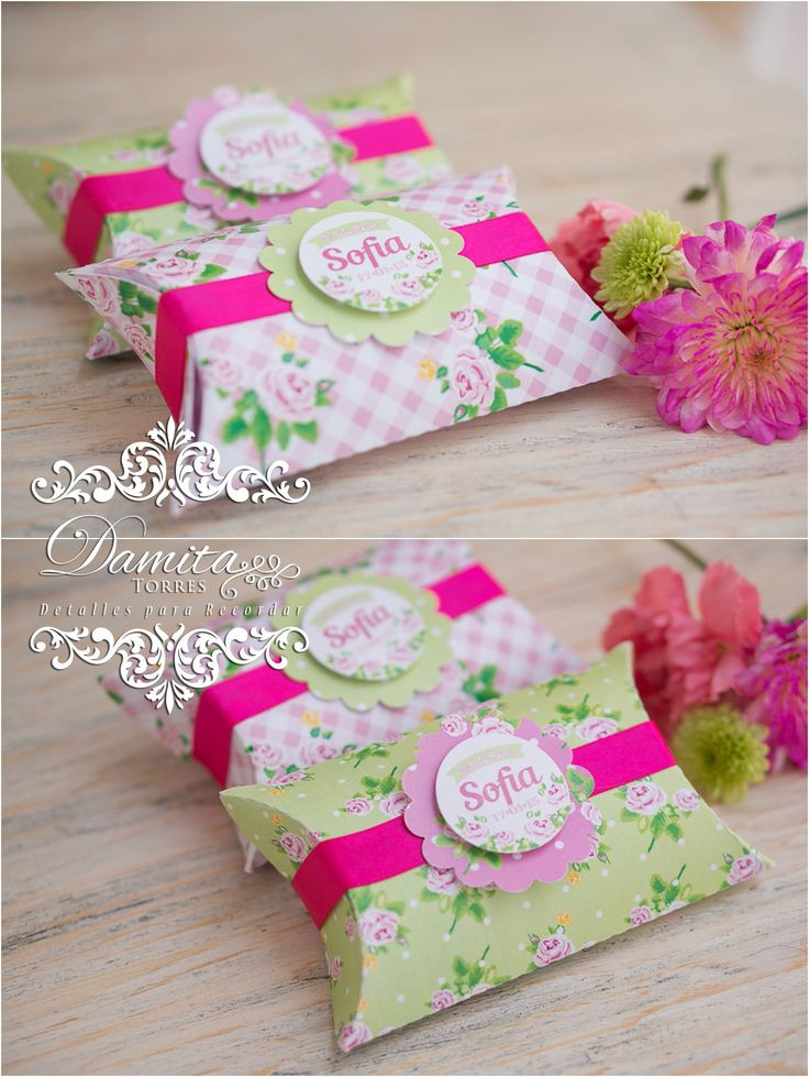 25 best ideas about shower box on pinterest baby shower - Mesa shabby chic ...