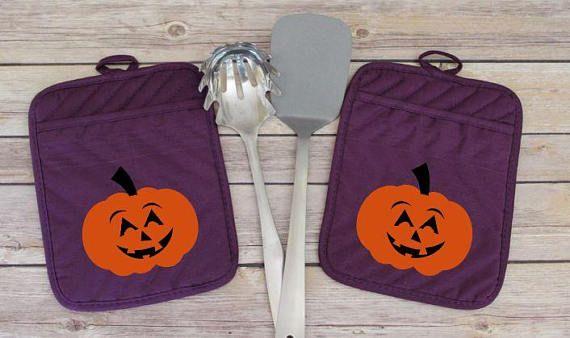 Halloween Pumpkin Kitchen Decor, October 31st Potholder, All Hallows Eve Pot Holder, Happy Halloween Ideas, Halloween Theme Oven Mitt Gift