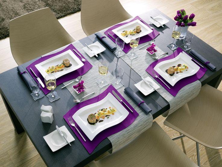 Máte fialové vánoční ozdoby? Obarvěte i vánoční stůl na fialovo.