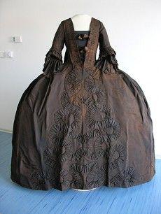 garment of Maria Anna Josepha Dietrichstein née Khevenhüller, 2nd half of the 18th century, Regional Museum, Mikulov (after conservation)
