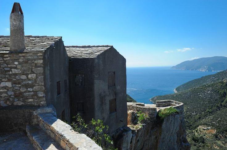 Η υπέροχη θέα από τη Χώρα Αλοννήσου