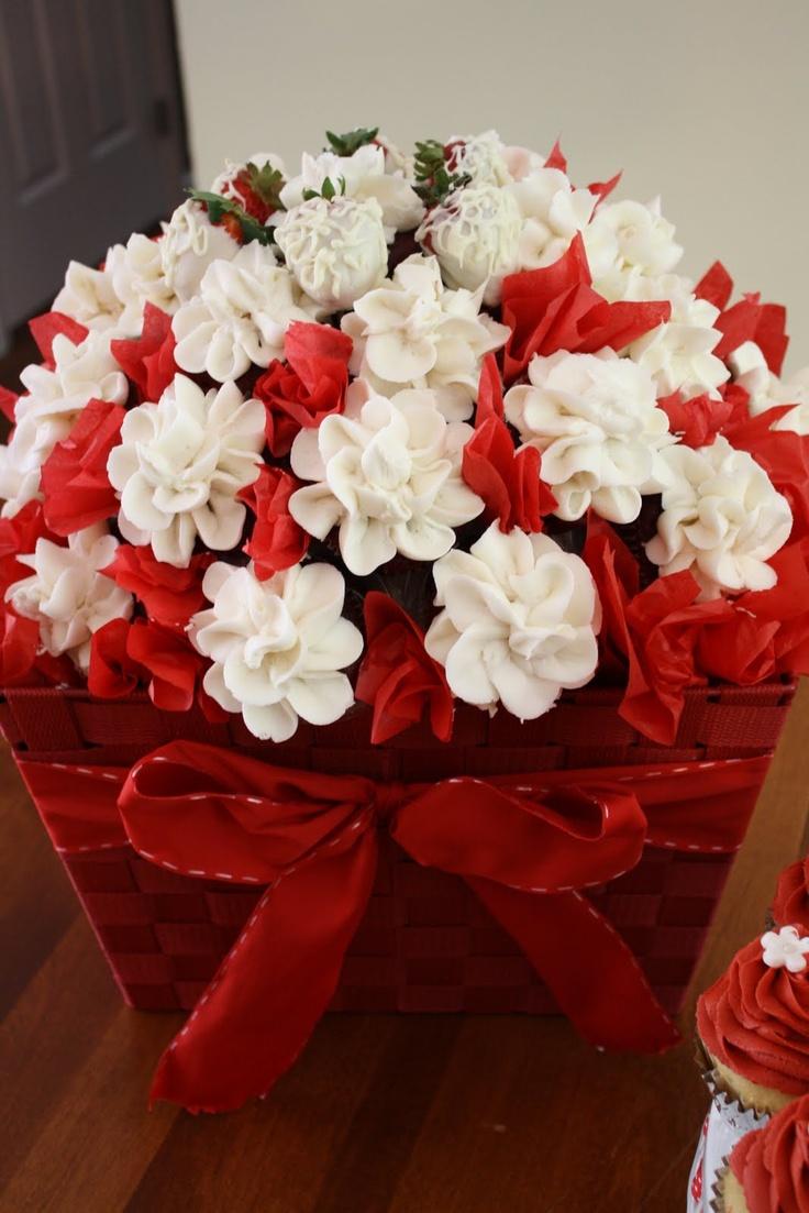 panier de fleurs de cupcakes / cupcakes flower basket