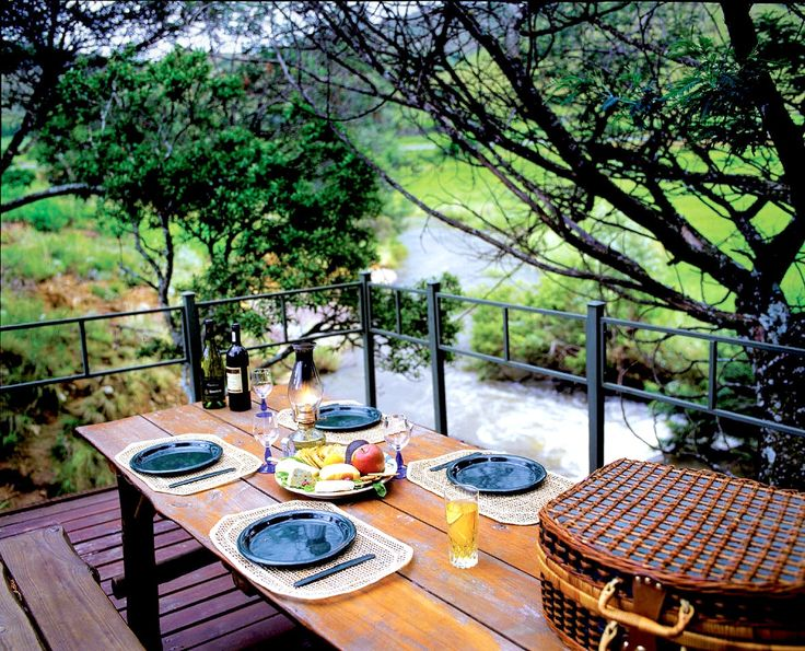 Stonecutters Lodge B&B In Dullstroom, Mpumalanga See more on https://goo.gl/mJqiNY  Stonecutters Lodge is situated in the Mpumalanga Highlands between Dullstroom and Lydenburg (Mashishing). This scenic 4 Star graded Country Estate is ideal for self-drive bookings or groups, catering for up to 22 sharing, in en-suite double rooms.