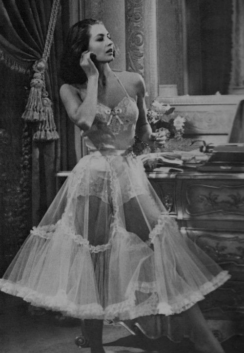 "froufroufashionista: "" Cyd Charisse (via Pinterest) "" Sissies all love froufrou http://amarriedsissy.blogspot.com"