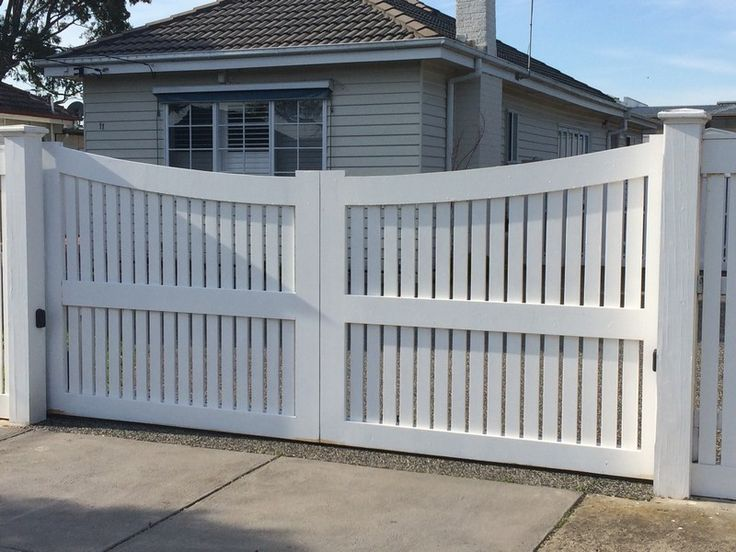 Arched Timber Electric Gate Mordialloc