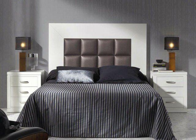 idées déco chambre à coucher en couleurs sombres, une tête de lit en cuir marron encadré par un cadre en bois de couleur blanche