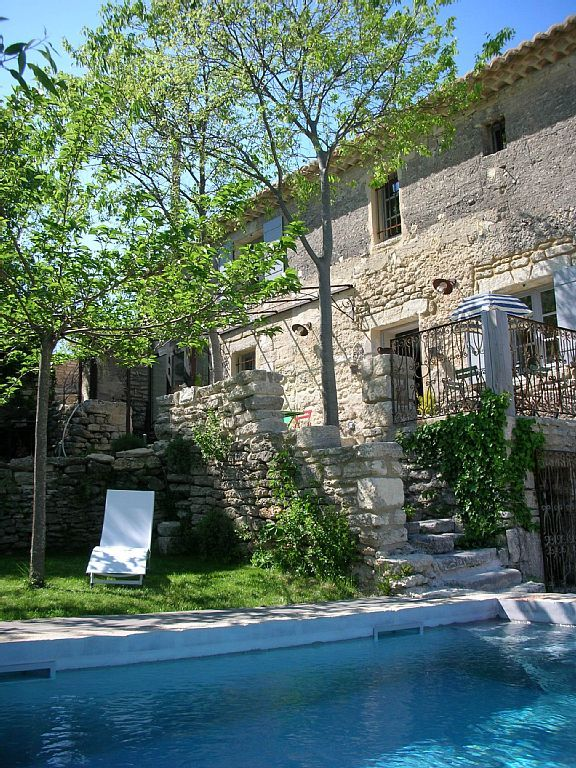 The owners, having fallen in love with this marvelous city Uzès, classified for its Art and History, decided to renovate an old sheepfold amidst an olive grove. An independent cottage and large swimming pool were ...