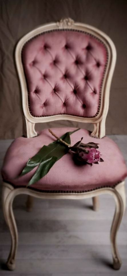 Because you can be a princess anytime you want. Be inspired by this photo, where the star will be you. For more inspirations visit our blog. Http://modernchairs.eu/