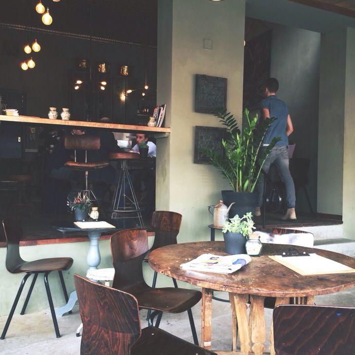 Hometown Coffee // Easy-going in Den Haag - Moderne Hippies