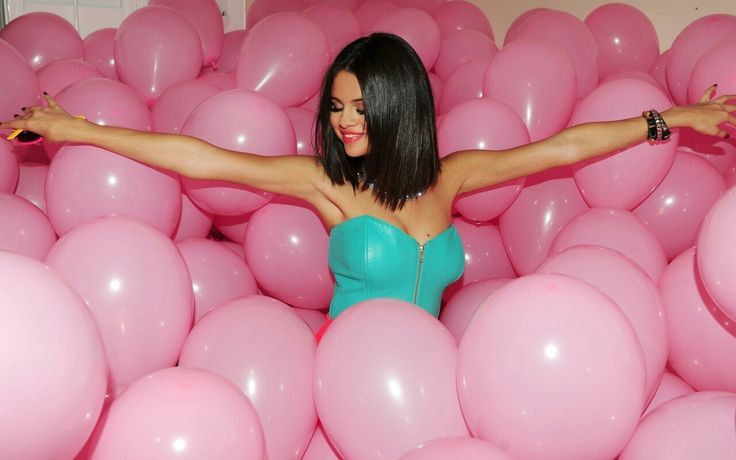 #celebrity#balloons#pink