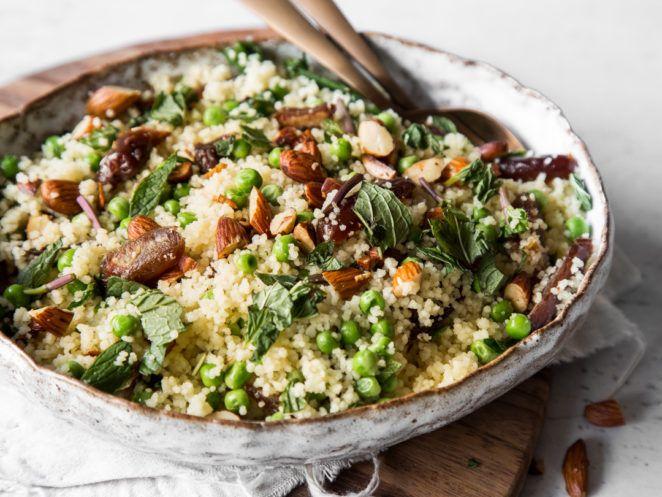 Couscous mit Datteln, Mandeln und Minze