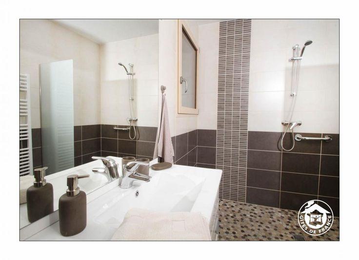 Les 25 meilleures id es de la cat gorie salle de bain for Crozet salle de bain