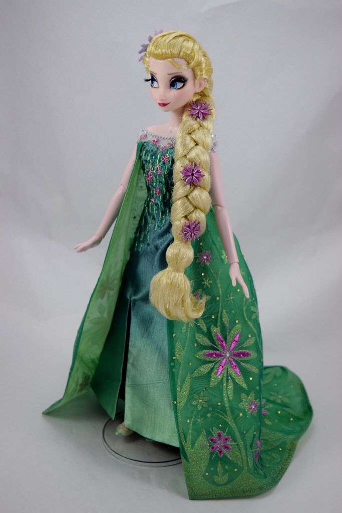Frozen Fever Elsa Limited Edition 17'' Doll - beautiful pose & displays the amazing green & purple colours associated with this doll