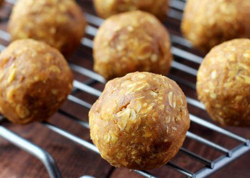 Crunchy Pumpkin Pie Energy Balls With Pumpkin Purée, Peanut Butter, Honey, Rolled Oats, Granola, Ground Flaxseed, Pumpkin Pie Spice