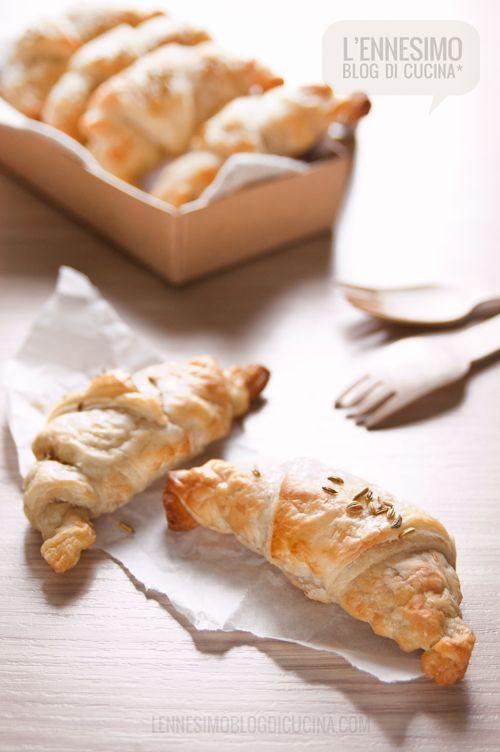 Croissant salati con parmigiano e pancetta #schiscettaperfetta (parmigiano  bacon croissant) ©lennesimoblog