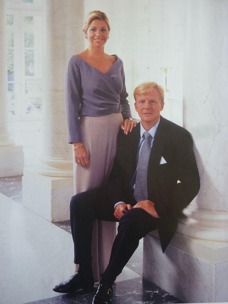 Officiële foto's van het stel voor hun huwelijk gemaakt.