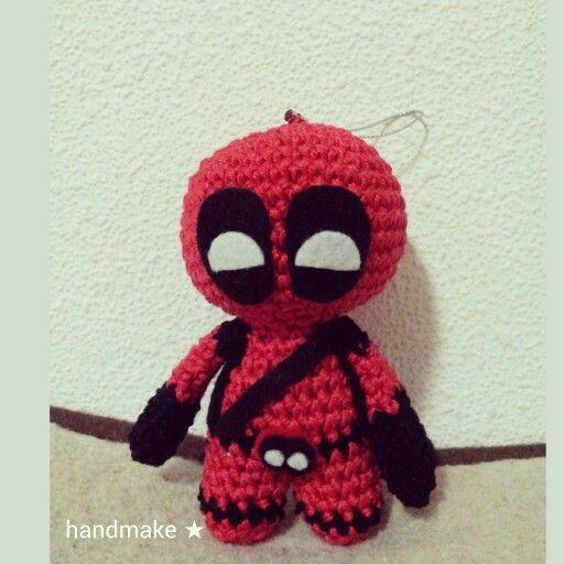 Маленький брелок Дэдпул,  высота 11 см.  #handmake #handmade #knittersofinstagram #knitting #accessories #Deadpool #marvel #marvelcomics #marveluniverce #mittens #souvenir #gift #etsy #etsyfind #митенки #аксессуар #подарок #ручнаяработа #сувенир #дэдпул #марвел