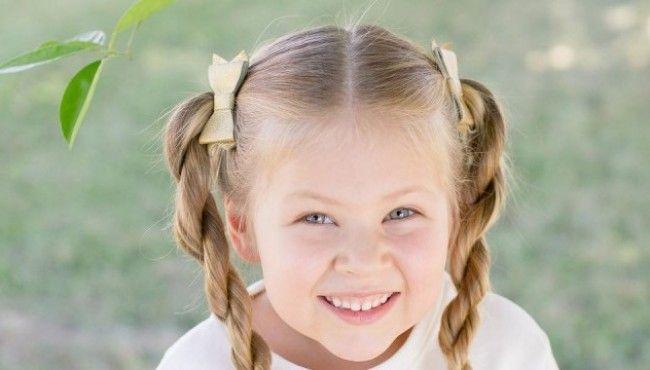 5-летняя девочка делает невероятные прически     Девочка по имени Магнолия из штата Аризона (США) поразила интернет своим талантом быстро делать самые сложные прически. Её даже прозвали парикмахером-вундеркиндом.