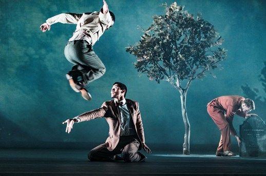 Det var världspremiär på Göteborgsoperan i fredags då två nya dansverk presenterades. Mellan de båda verken – ...