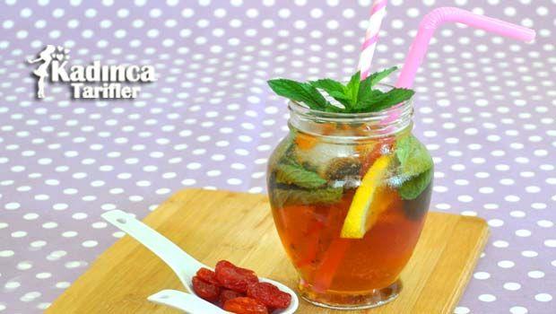 Şeftalili İce-Tea (Buzlu Çay) Tarifi nasıl yapılır? Şeftalili İce-Tea (Buzlu Çay) Tarifi'nin malzemeleri, resimli anlatımı ve yapılışı için tıklayın. Yazar: Pembe Tatlar