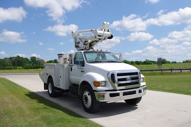 77 best used bucket trucks images on pinterest trucks for sale utility truck and ford trucks. Black Bedroom Furniture Sets. Home Design Ideas