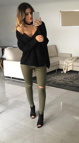 Image of Elle Knee Slit Jeans - Khaki