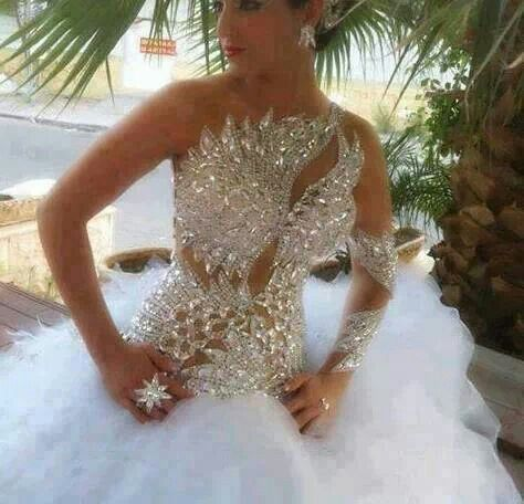 Peacock feather wedding gown peacock stuff pinterest for Peacock feather wedding dress
