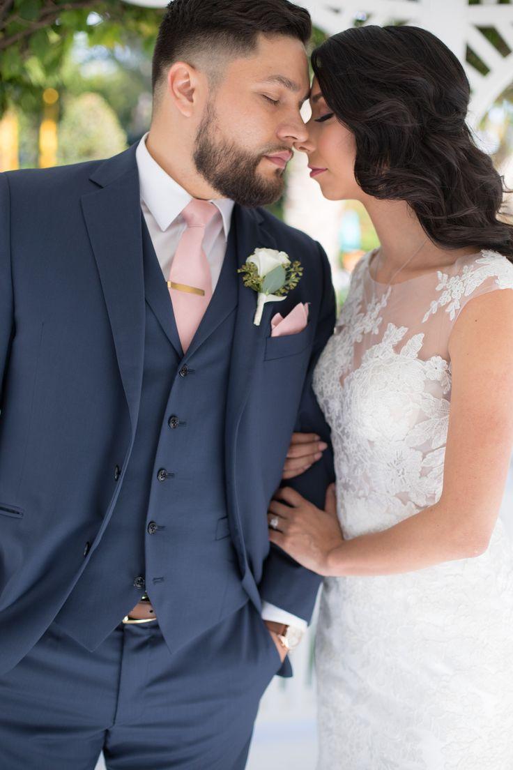 The Palms Hotel // Heather Funk Photography // Miami Beach // gazebo wedding // bridal gown // romantic wedding // wedding couple