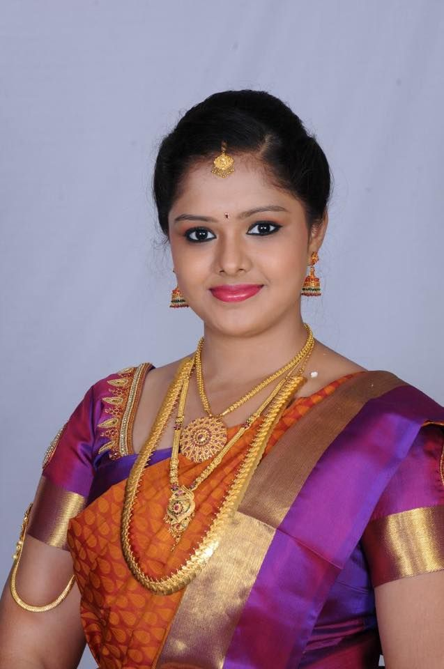 Traditional Southern Indian bride wearing bridal silk saree and jewellery. Engagement look. Makeup and hairstyle by Swank Studio. #BridalSareeBlouse #SariBlouseDesign Silk kanchipuram sari. Tamil bride. Telugu bride. Kannada bride. Hindu bride. Malayalee bride Find us at https://www.facebook.com/SwankStudioBangalore