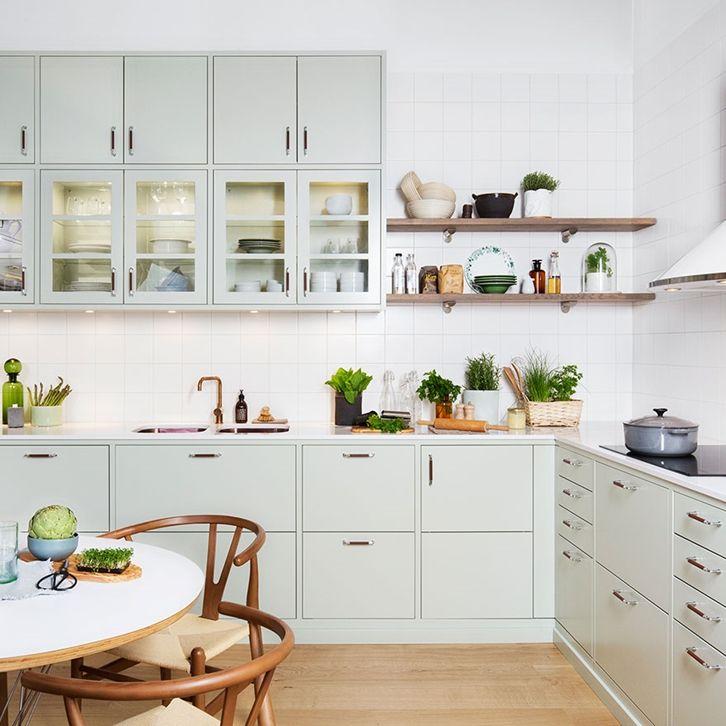 Köksinspiration -  Grönt kök med lantlig känsla – Bistro