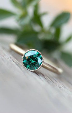 Engagement Ring Emerald Green Moissanite