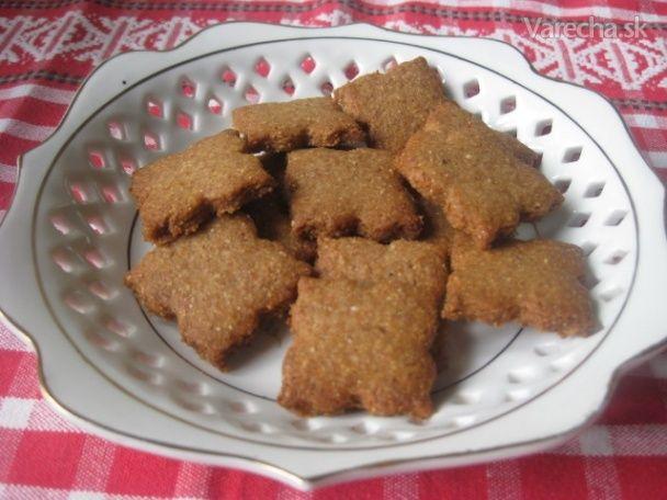 Domáce sušienky sa vždy zídu. V recepte som použila múku celozrnnú a pohánkové vločky, ktoré som zomlela... sú veľmi chutné-:)