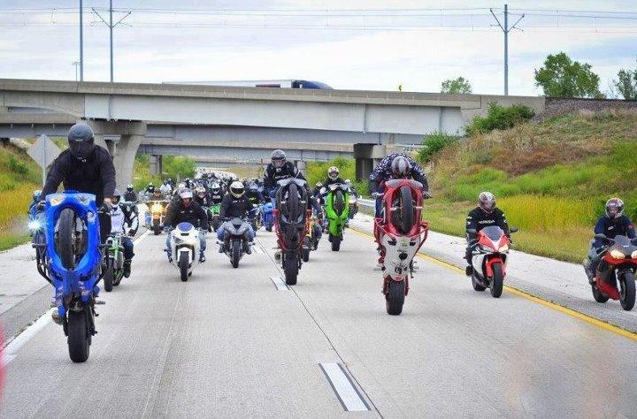 :): Rocks Wheeli, Wicked Cars, Stunts Riding