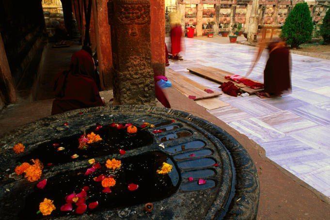 Buddha footprints. Mahabodhi Temple. Bodhgaya By: Anthony Plummer/ © Lonely Planet
