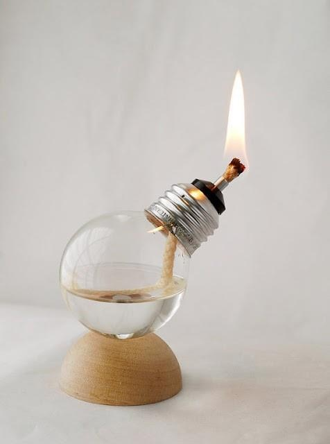 How is that?: Candle, Idea, Oil Lamps, Trav'Lin Lights, Diy Lights, Bulbs Oil, Recycled Lights, Lights Bulbs, Natural Wood
