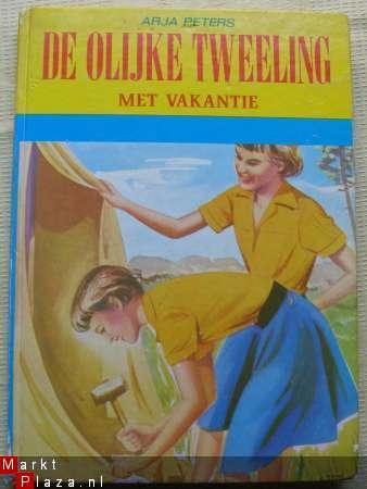 ik verslond de boeken van de olijke tweeling