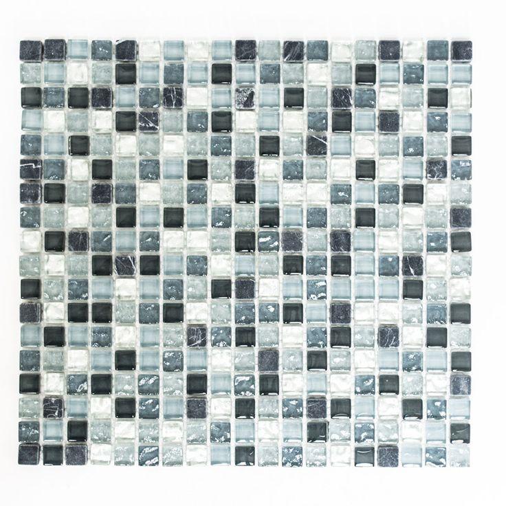 En snygg och exklusiv mosaikMixmosaiken innehåller en blandning av material. Det kan finnas kristallmosaik, glasmosaik, mosaik av natursten eller aluminium
