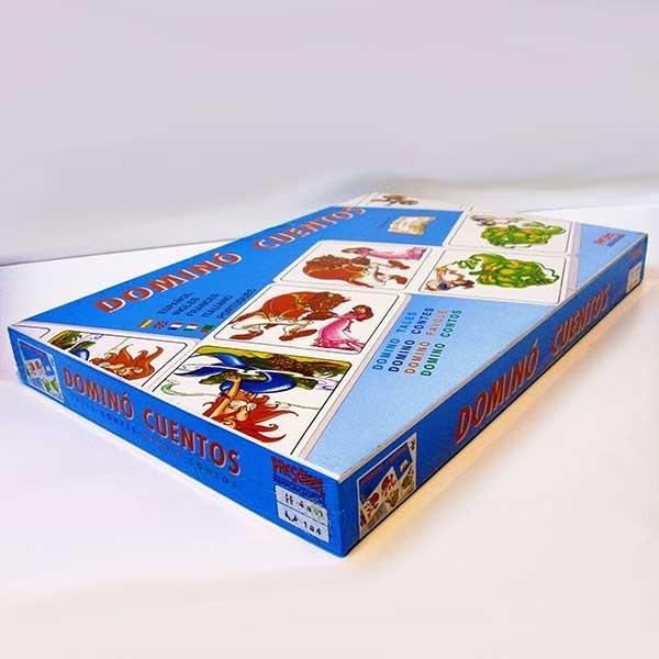 Dominó infantil conteniendo 28 fichas de personajes de cuentos. Pertenece a la colección Jugando con cuentos de la serie Preschool Educacional de Falomir.Es uno de los grandes exitos del fabricante español de juegos Falomir, cuyo alcance internacional hizo que sus instrucciones fueran traducidas a cinco idiomas