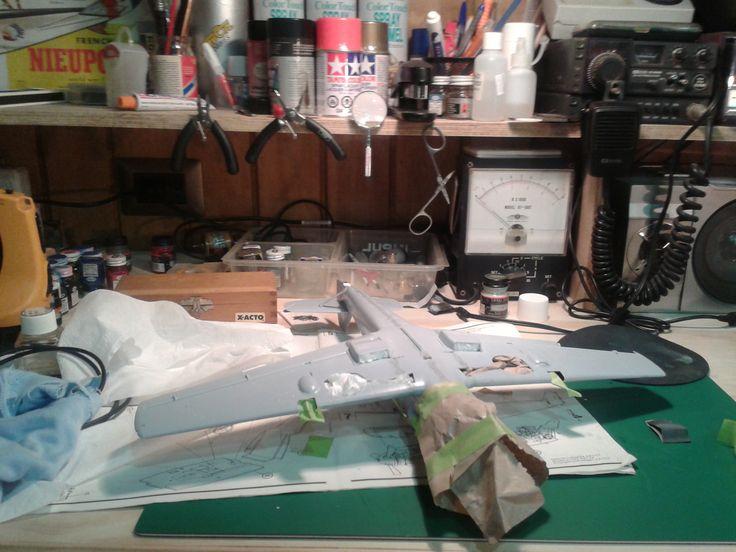 Seguimos con la pintura del BF109.
