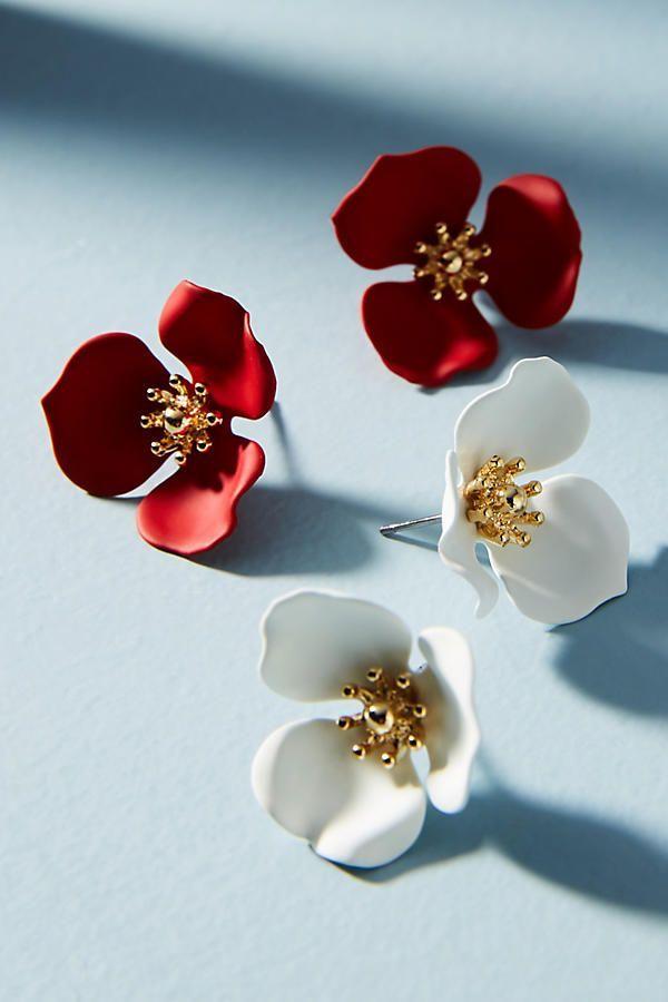 d4e05371137b Slide View  1  Dogwood Flower Post Earring Set