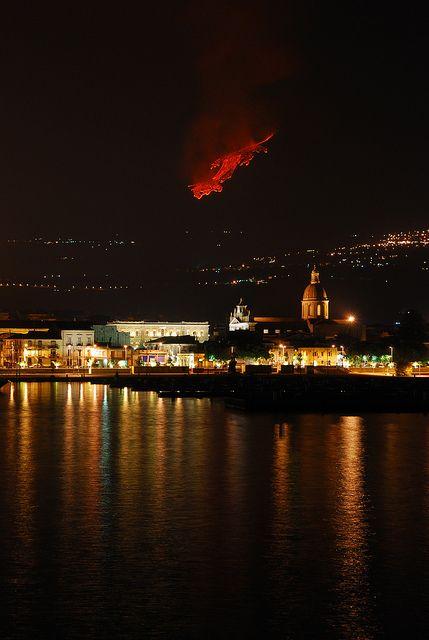 Etna Eruption 2011, Sicily - 2011 Eruzione dell'Etna, Sicilia by Giuseppe Finocchiaro, via Flickr
