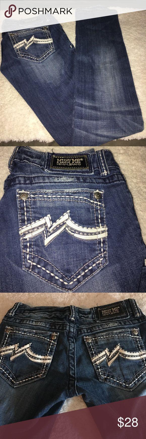 Miss me sz 27 straight jeans Miss me sz 27 straight jeans Miss Me Jeans Straight Leg