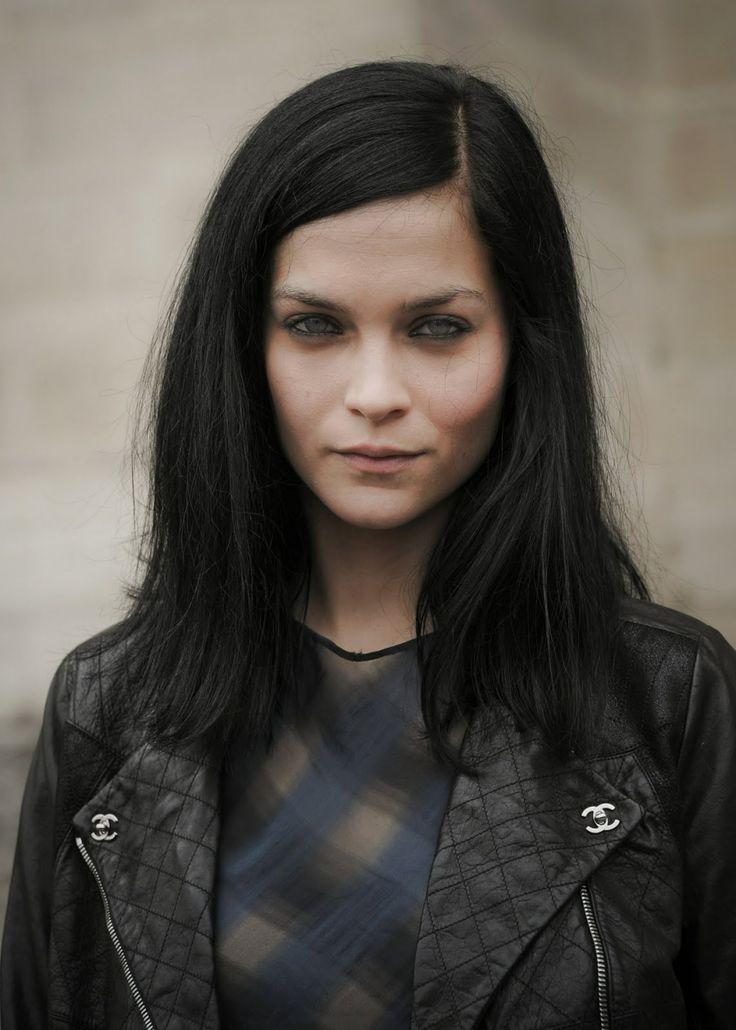 leigh lezark and her beautiful black hair