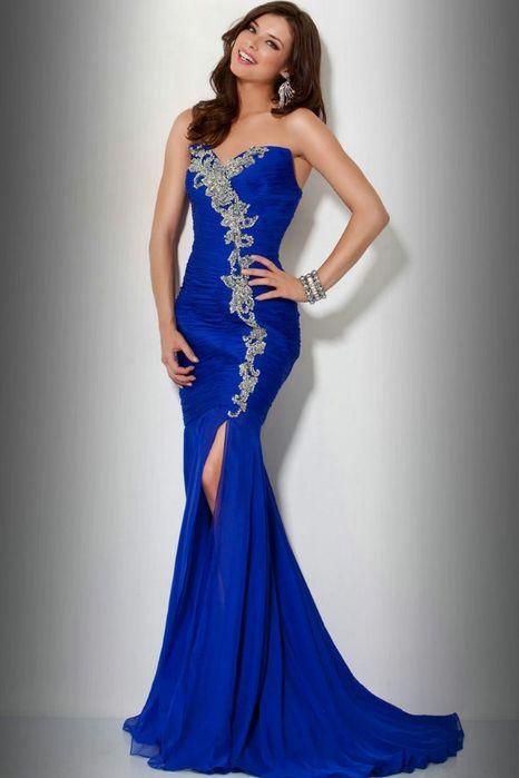 Синие вечерние платья (69 фото): красивые, темно-синие, сине-белые, макияж, маникюр, туфли
