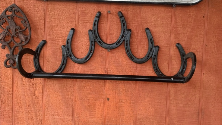 152 best horseshoe welding projects images on pinterest for Old horseshoe projects
