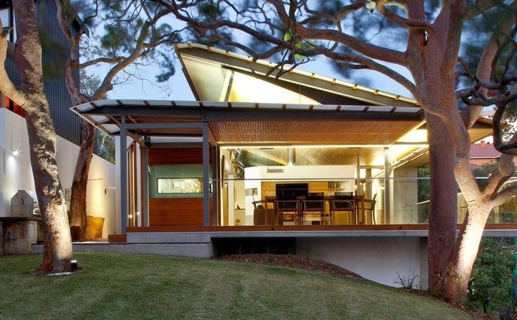 Richard Cole Architecture have designed the Angophora House in Sydney, Australia.